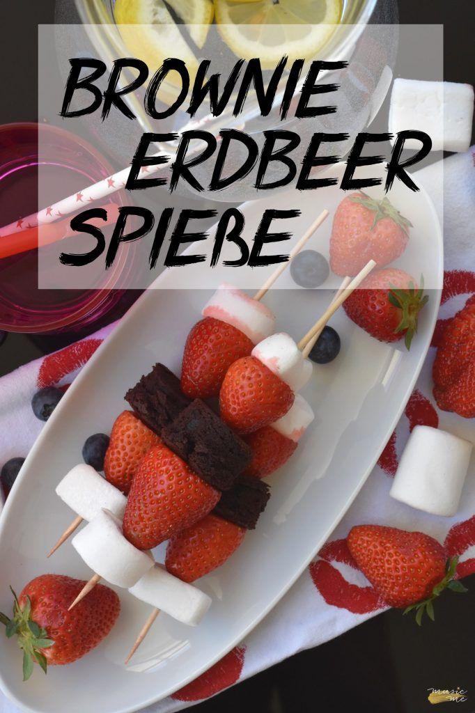 Brownie Erdbeer Spieße   Pinterest   lecker, schnell und einfach im Sommer   Grillsnack, Nachtisch   music-me.de