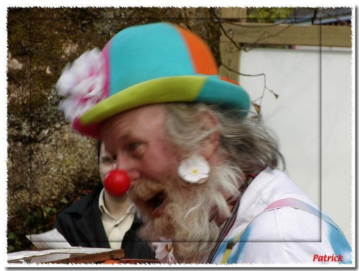 Le manège à pédales du Clown à la barbe fleurie à Ciran