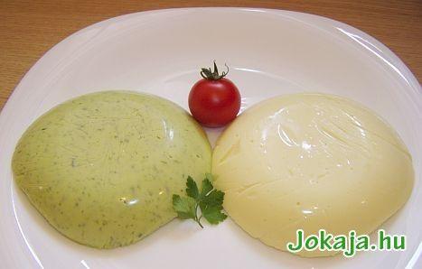 Ömlesztett saj házilag - 1 l tej 50 dkg túró 5 dkg vaj 1 tojás 1 teáskanál szódabikarbóna 1 csipet só