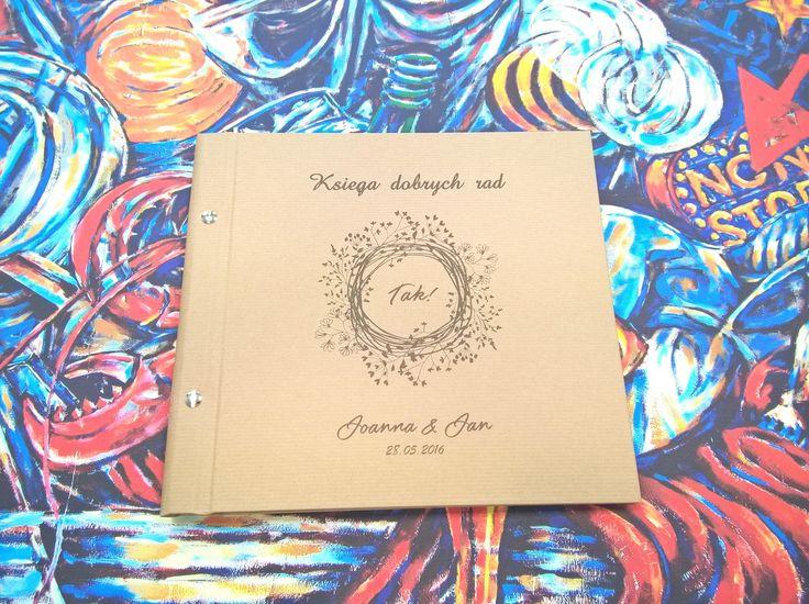 Personalizowana księga gości weselnych. Zapraszamy do kontaktu! Jesteśmy pracownią introligatorską, która zajmuję się produkcją unikatowych albumów. #vintagewedding, #book, #albumphoto, #rusticalweddingbook