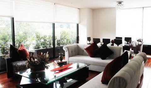 Colombia, Bogota. Este lindo y familiar apartamento ubicado en el Exclusive Sector del Virrey, cuenta con 277 + 67 Terraza con toda la vista al parque. http://www.colombiaexclusive.com/inmobiliaria/laventa.php?idventa=417#!prettyPhoto