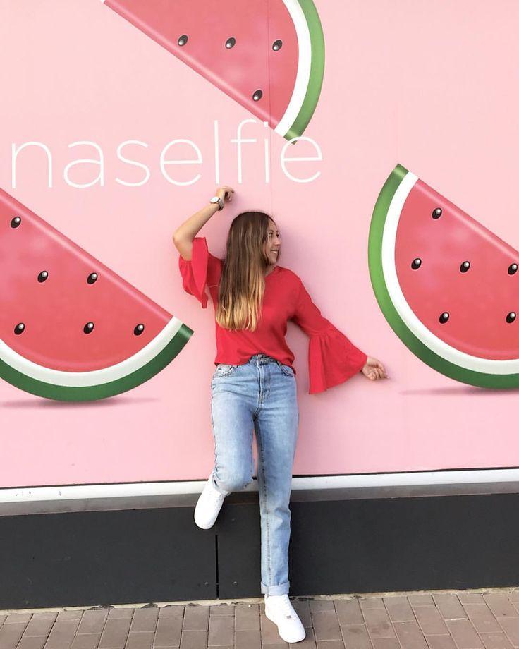 ¡ Hello february!🍉 #STOPCOMPLAININGIDO #welcomefebruary #favoritefruit #watermelon #red #rose #pink #jeans #ootd #selfietime #febrero #colombianwomen