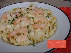 Esse fettuccine com molho de camarão é uma receita deliciosa, bonitona, e ainda por cima fácil de fazer! Você precisa ver!
