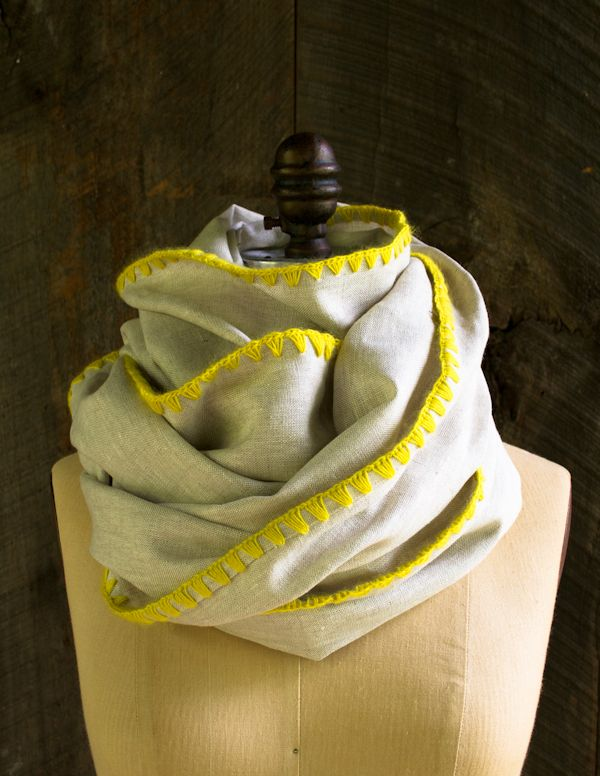 Laura's Loop: Edged Linen Wrap - The Purl Bee. Gotta make this.
