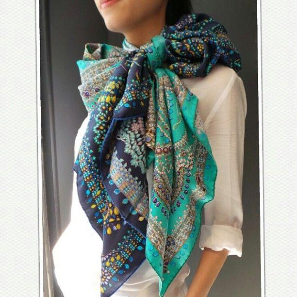 301 besten fashion scarf bilder auf pinterest - Hermes tuch binden ...