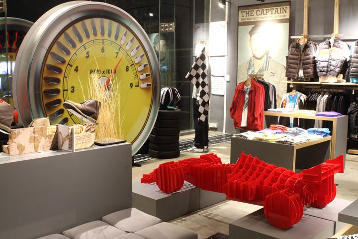 visual merchandising on newly constructed bangalore 6 month diploma in visual merchandising courses bangalore & mumbai, visual   the course is constructed giving practical knowledge on store layout, location.