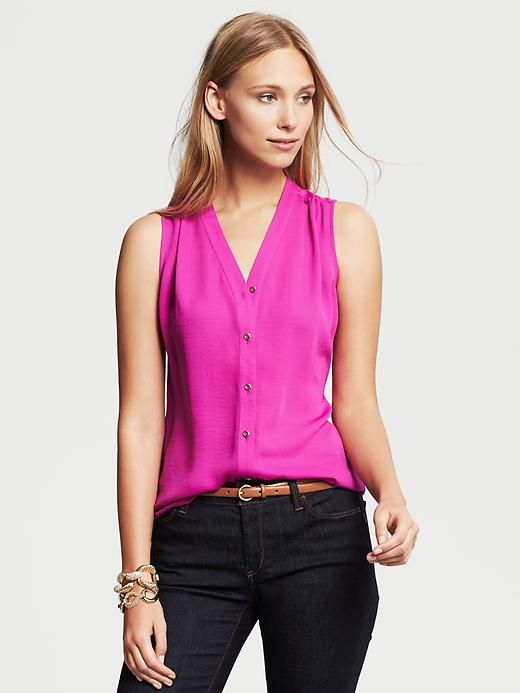 Sleeveless Buttoned Blouse