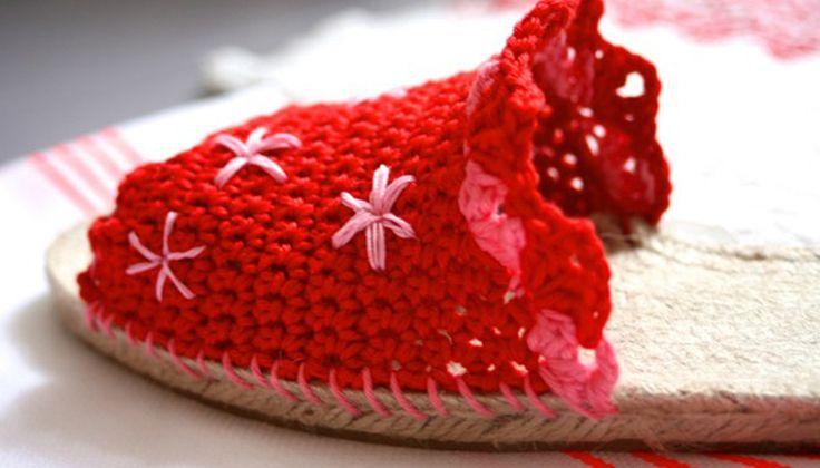 Zelf maken: zomerse espadrilles in slippervorm