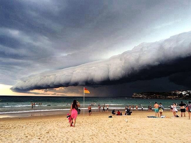 Shelf Cloud, Australia