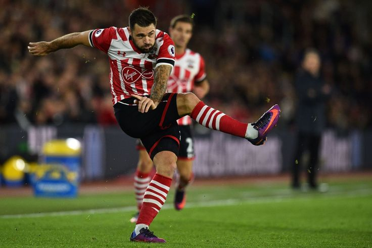 Southampton boss gives Charlie Austin injury update ahead of Liverpool trip