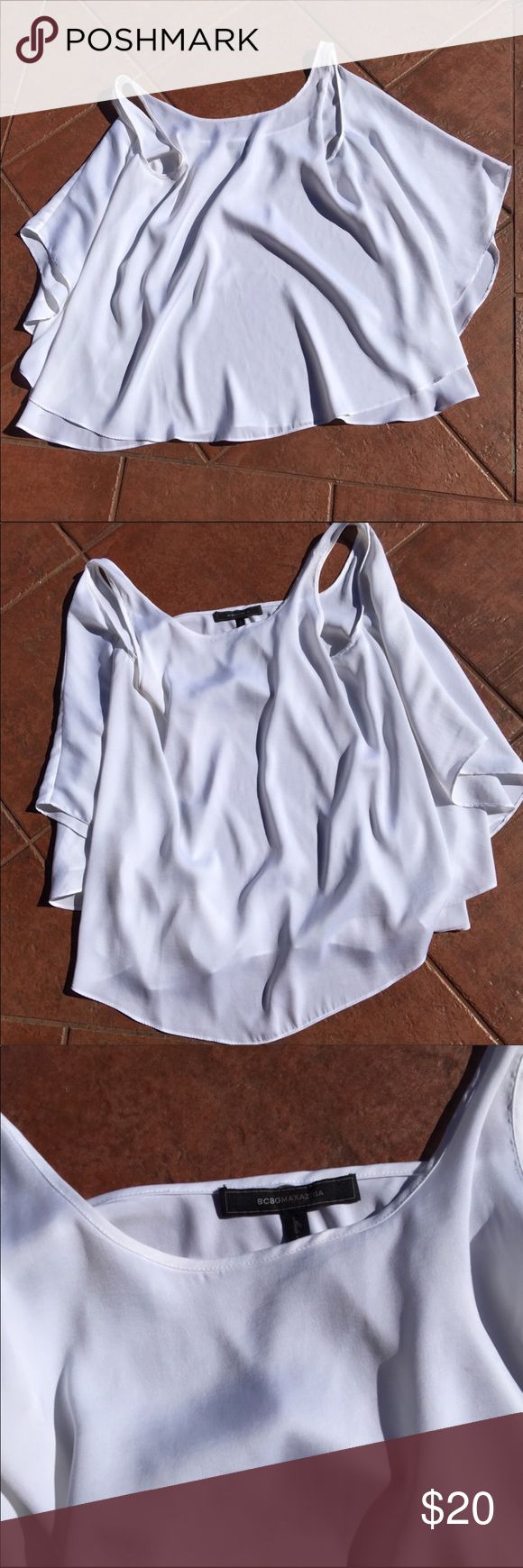 "Bcbgmaxazria Women's Sleeveless Top Small Bcbgmaxazria Women's Sleeveless Top Small 16"" arm pit to arm pit. 28"" length BCBGMaxAzria Tops Blouses"