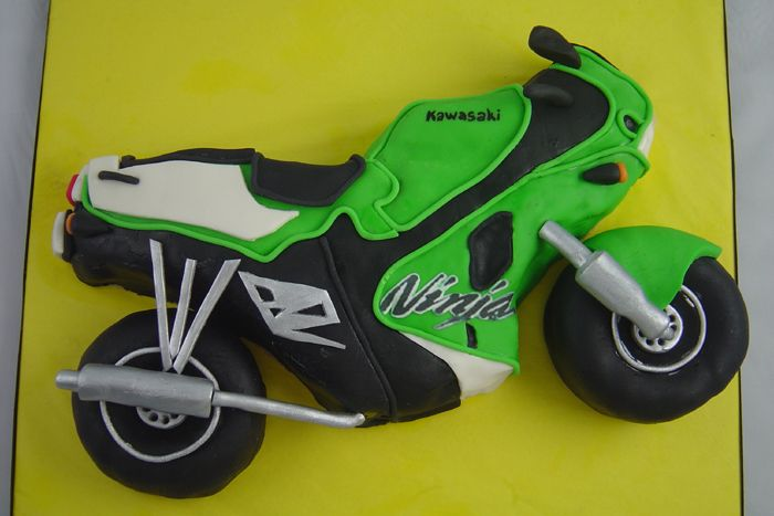 mtorcycle cakes | Kawasaki Motorcycle Cake