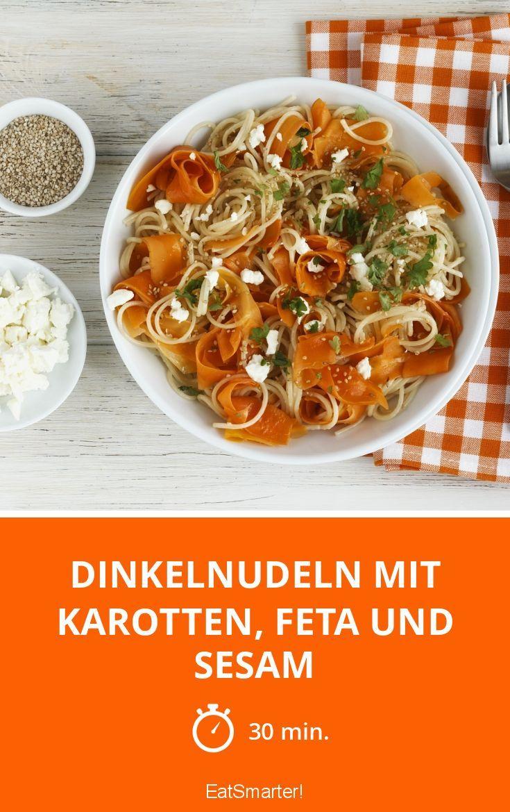 Dinkelnudeln mit Karotten, Feta und Sesam - smarter - Zeit: 30 Min. | eatsmarter.de