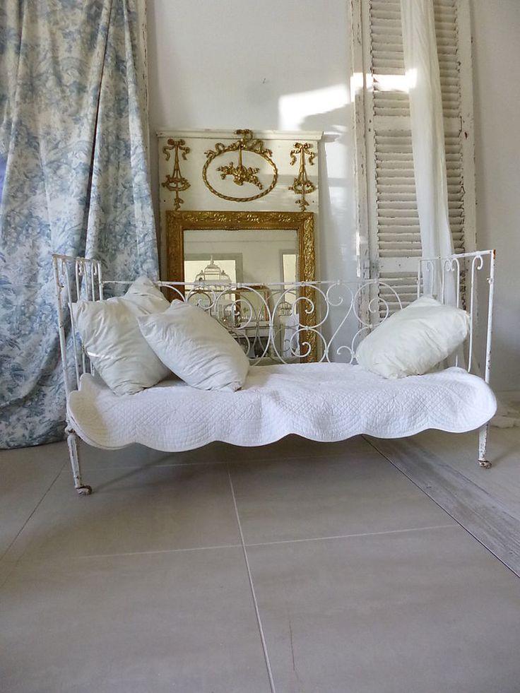 ber ideen zu eisenbetten auf pinterest. Black Bedroom Furniture Sets. Home Design Ideas