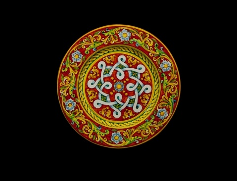 Italian ceramics - Italian Pottery-Touch of Sicily   Red plate with geometric decoration