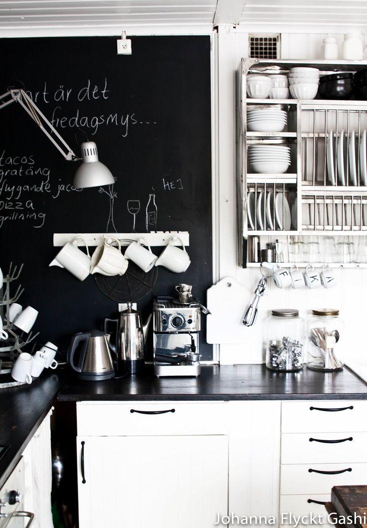 Photo: Lina Ostling. Interior Stylist: Johanna Flyckt Gashi #interior styling #kitchen