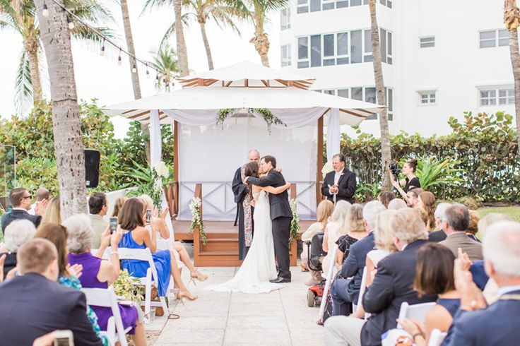 Florida Hotel Wedding at Tideline Ocean Resort and Spa Photographer - Thompson Photography Grou  Stunning beach-side ceremony!