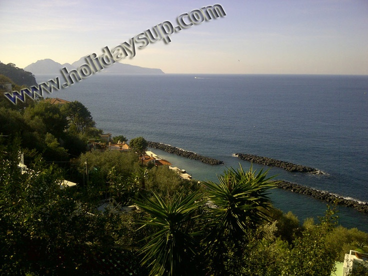 Villa Nilly (approx 270 s.qm) is amazing villa located just a few kilometers from Sorrento town center, exactly just outside the small fishing village of Massa Lubrense in a very quiet position that offers breathtaking ocean views, Bay of Naples, Isle of Capri, Ischia and Procida view.    PLease look this website to more details:  www.holidaysup.com