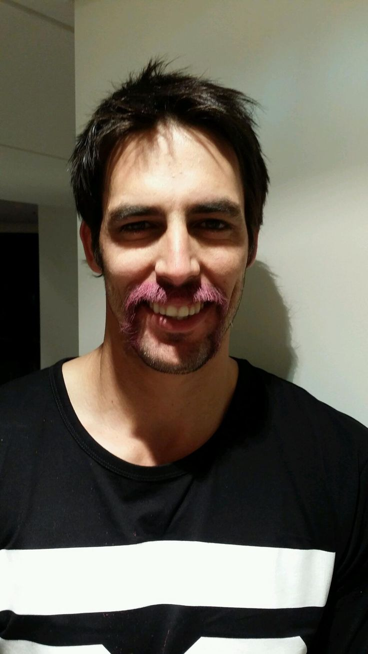 Mitchell Johnson dyes moustache pink for charity #Ashes #Cricket #Australia