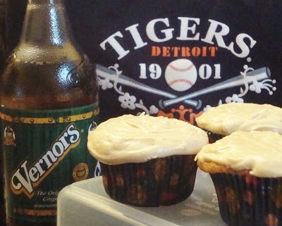 Food Floozie: Vernors Cupcakes for the Detroit Tigers