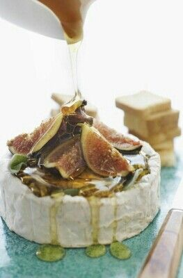 Figs on Brie with Honey