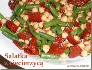 Zdjęcie - Sałatka z ciecierzycą - Przepisy kulinarne ze zdjęciami