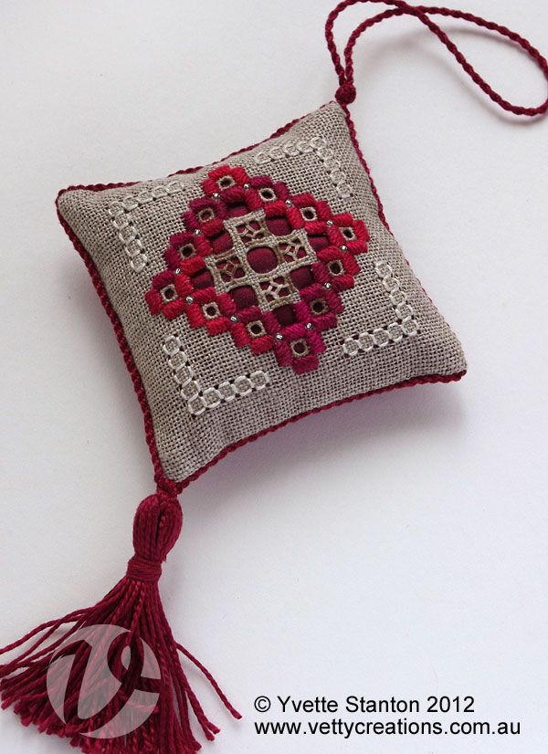 Christmas Hardanger ornament in raspberry colours, celebrating summery Australian Christmas! Pattern by Yvette Stanton, available from Vetty Creations.