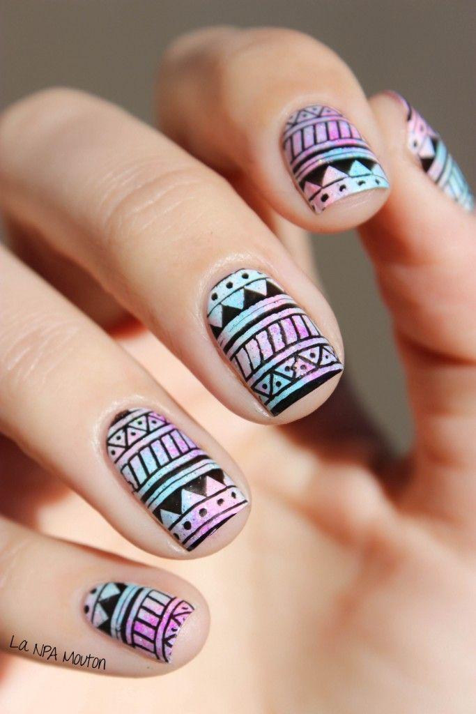 nail arts coloré et noir geometrique