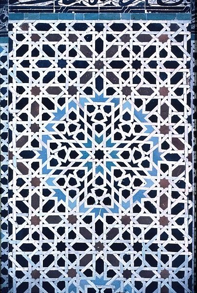 Pattern in Islamic Art - Bou Inaniya Medersa eight-pointed star pattern from Morocco. http://patterninislamicart.com/archive/?browse=region&val=morocco&iid=1285