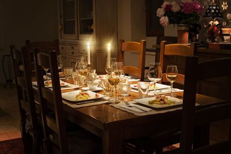 Dinner tablescape. Evening table lights. Be inspired by @theinspirassion