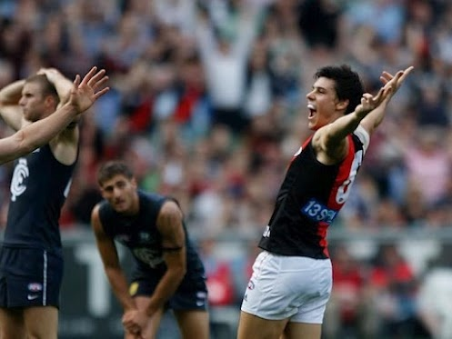Angus Monfries scores and celebrates another big goal to bury the Carlton Blues to remain unbeaten heading into the ANZAC Day clash with other bitter rivals Collingwood Magpies!