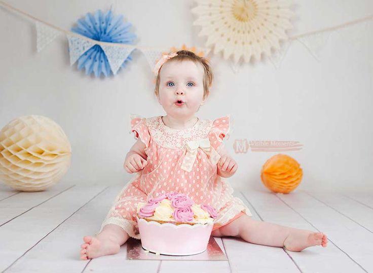 Cake smash girl coral and cream