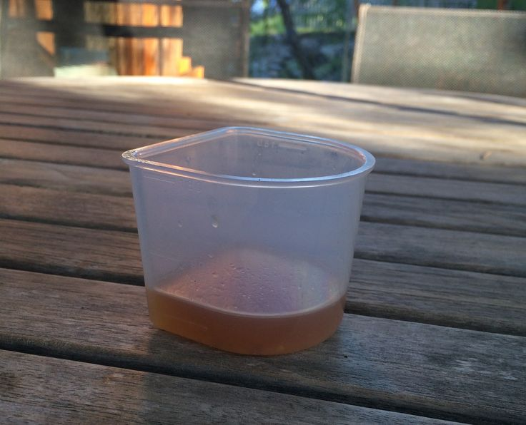 Overskuddsvæsken fra bokashi kjøkkenkompost er herlig gjødsel inne/ute og effektivt middel mot plantelus. Men når skal bokashivæsken komme? Og hvor mye?