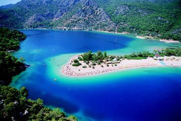 the water was so salty, i wasn't able to dive. at all - Blue Lagoon at Olu Deniz, Turkey.