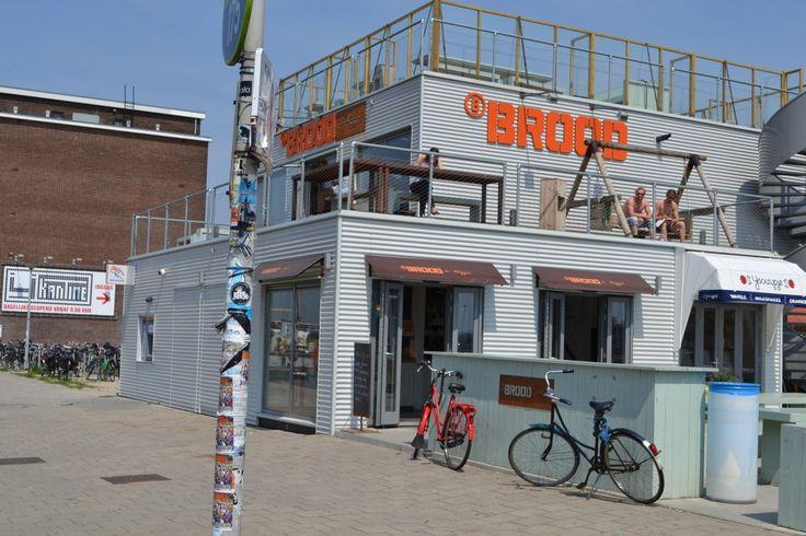 Hotspot Amsterdam: BBROOD. Met het pontje naar de NDSM werf.