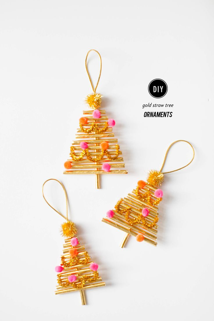 DIY gold straw tree ornaments! Perfect craft for the kiddos