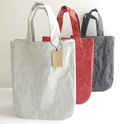 "SIWA Round Bag-Soft Naoron (paper made of wood pulp and polyolefin using ""washi suki"" paper manufacturing process)"
