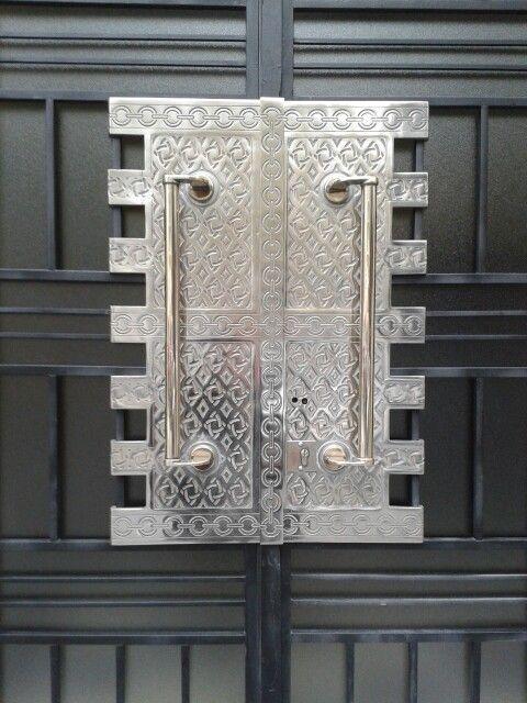 146 best Hardware images on Pinterest | Lever door handles, Cabinet ...