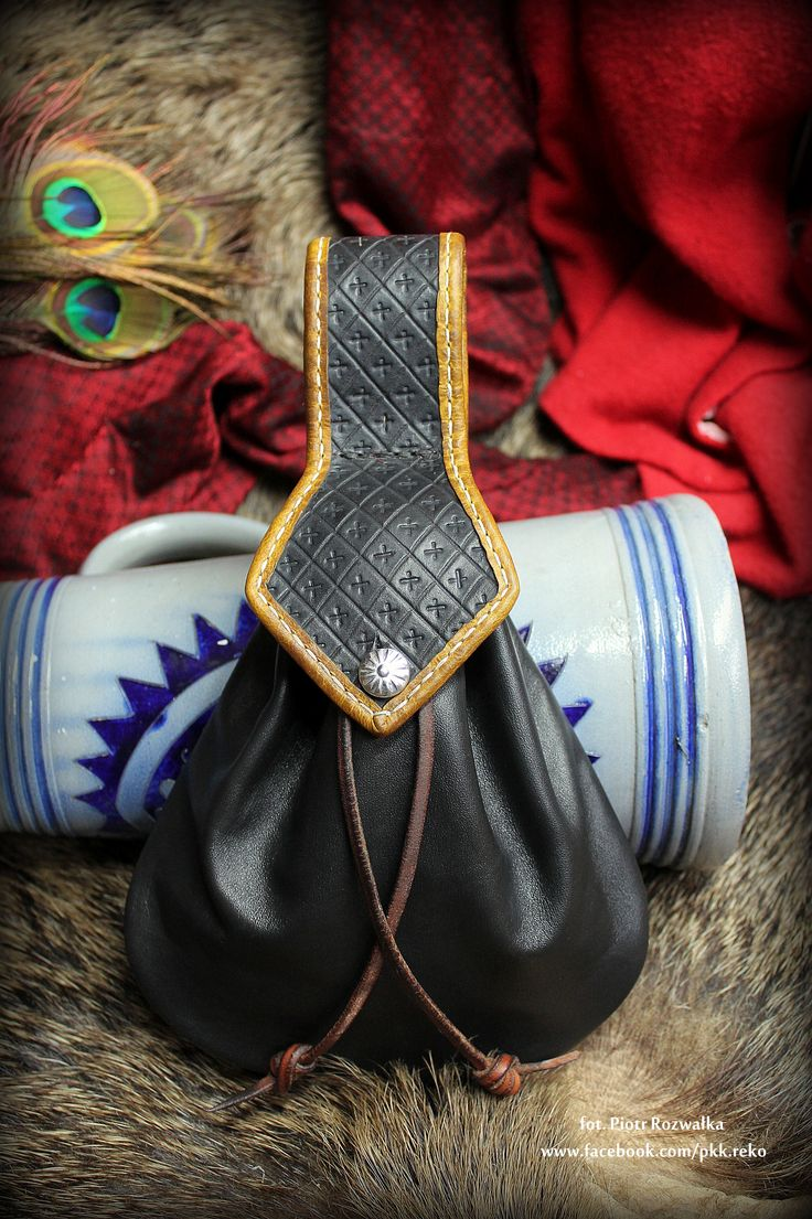 Leather purse 15th-17th century www.facebook.com/pkk.reko