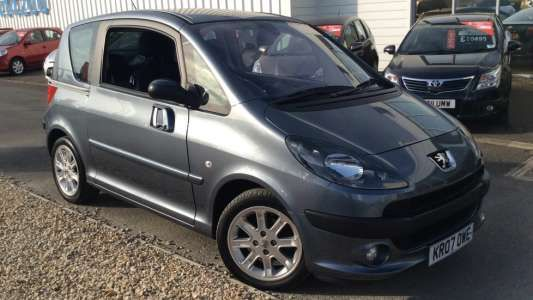 Used 2007 (07 reg) Grey Peugeot 1007 1.6 Sport 3dr 2-Tronic for sale on RAC Cars