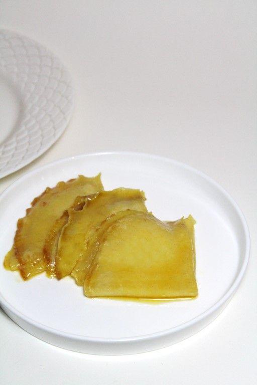 Ga eens lekker op de Franse toer met deze heerlijke crêpes Suzette met Grand Marnier. Gemaakt met mandarijnensap in plaats van sinaasappelsap! :D