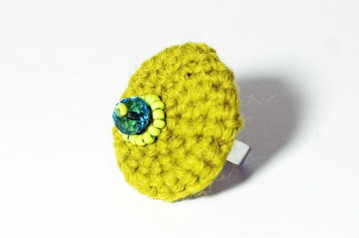 Mustár-zöld design gyűrű by http://www.breslo.hu/Solya/shop