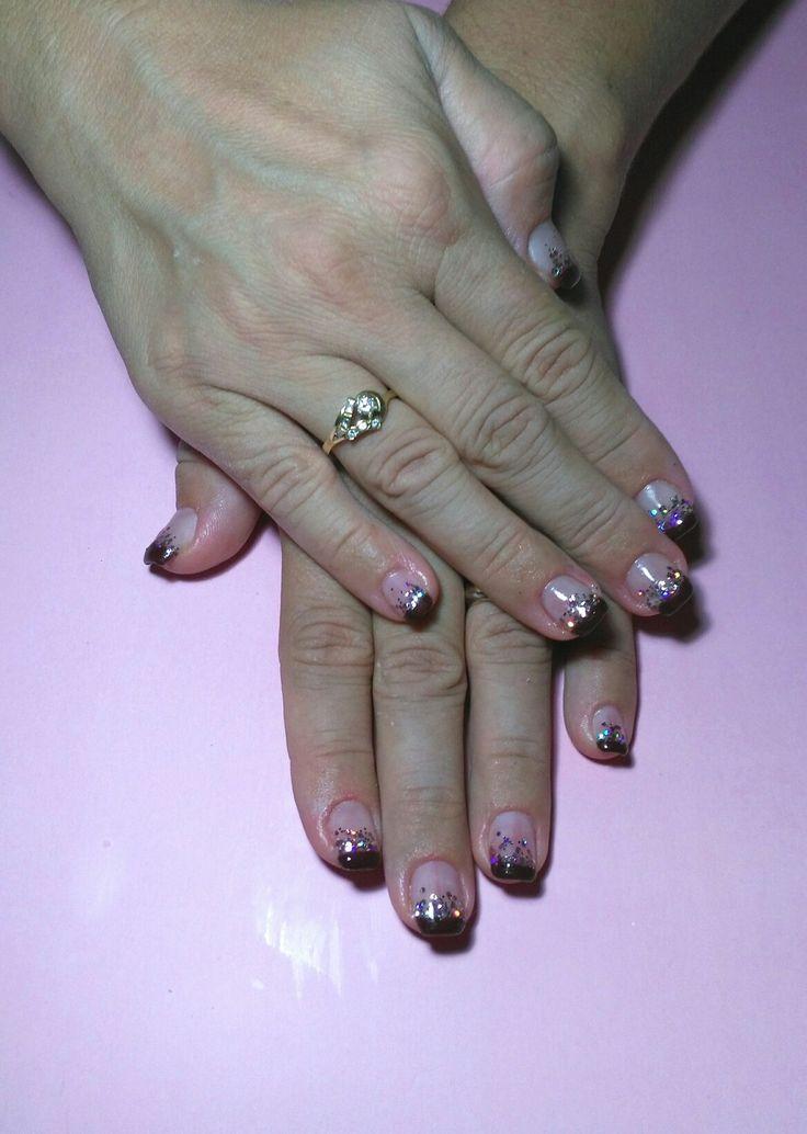 Ricostruzione #ricostruzione #gel #cartina #shine #brillantini #cascata #french #cioccolato #autunno #sensual #simple #decoro #summer #estate2017 #curadellemani #manicurate #mani #hands #bigliettodavisita #lospecchiodise #delicato #delicate #elegante #elegant #bellezza #cura #manicure #nails #nailart #napoli #italia