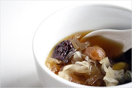 Longan Tong Sui Recipe (龙眼糖水): It's perfect anytime of the day as a thirst quencher or an after meal dessert.  Try this and it may just become your new favorite…