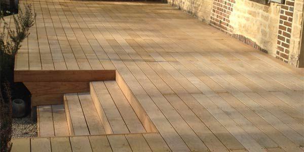 Les Lames De Terrasse En 2020 Lame Terrasse Bibliotheque Murale Design Terrasse