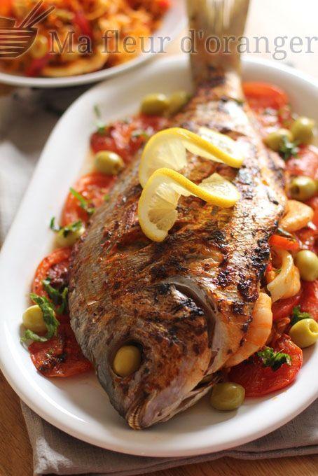 Poisson farci aux légumes et fruits de mer aux saveurs marocaines avec une charmoula. Pour ce type de recettes j'aime utiliser soit la dorade , poisson bar ou pageot. J'ai donc choisit cette fois une