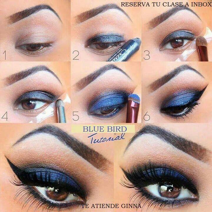 Ojos azul oscuro