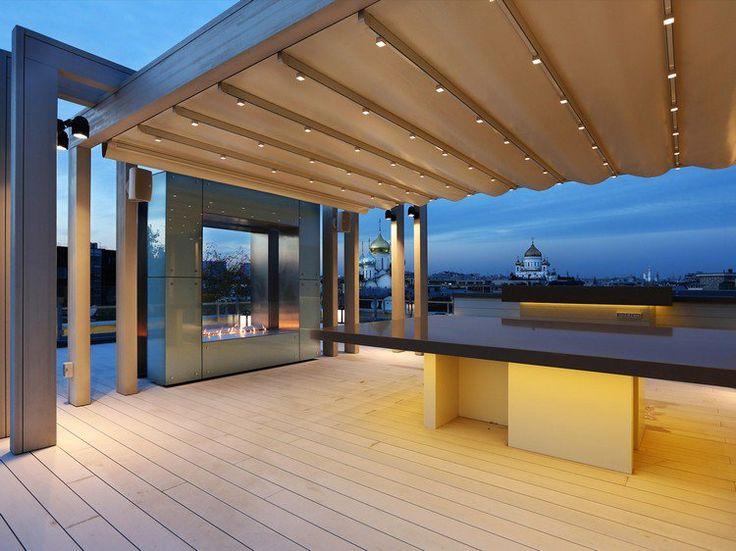 aménager une terrasse d appartement avec toit métallique sol en
