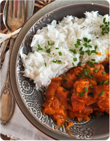 Un plat exotique, traditionnel des Comores! Je l'ai découvert sur le blog Rouge Framboise, et woaw! C'est délicieux, bien épicé, plein de saveurs. Et pas besoin d'aller chercher les ingrédients très loin, vous avez certainement tout ça dans vos placards...