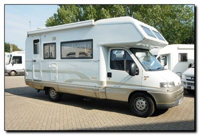 Laika Ecovip 4L - Camper mansardato 5 posti -    AUROcaravan srl - Via L. Galvani 2 - 20875 Burago Molgora (MB) - Tel. 0396880134